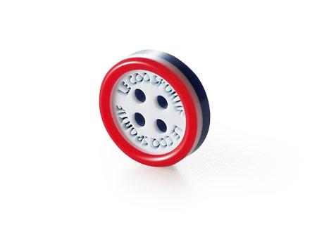 トリコロールのボタン