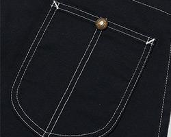 胸ポケット拡大図
