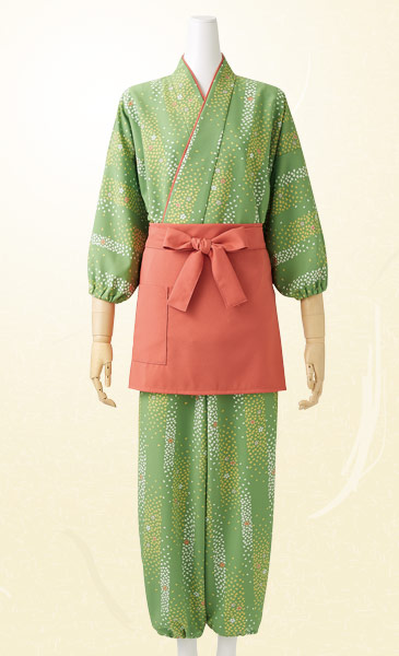 モンブランの茶羽織パンツコーディネート画像