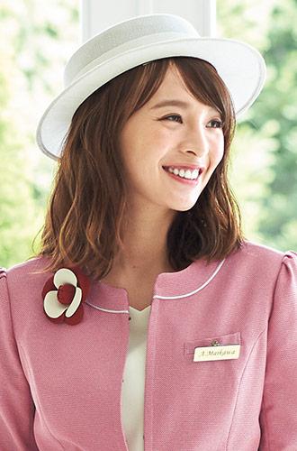 白のメッシュで見た目もかぶり心地も涼しい、EN JOIE(アンジョア)の事務服帽子21-OP600