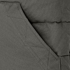 脇ポケットの内側は起毛トリコットで手を入れたら暖かく、ハンドウォーマー機能も兼ね備えています。