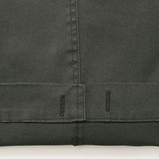 裾内側にひも通し用のボタンホール付き。(ひもは付属していません)