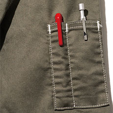 袖にペンさしポケット