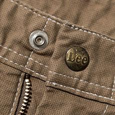 Leeロゴ入りのオリジナルボタン