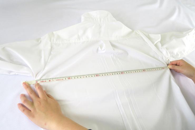 シャツ胸囲(タック伸ばし)