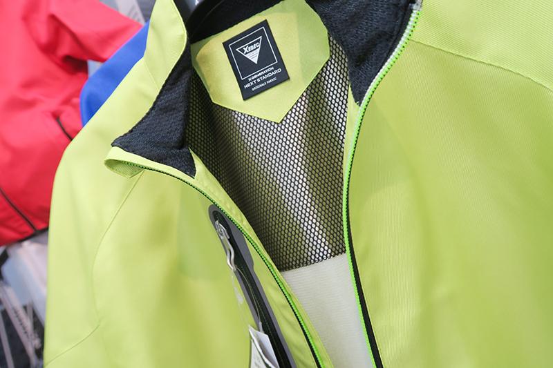 ジーベックの162シリーズはおしゃれな防寒服で人気の予感