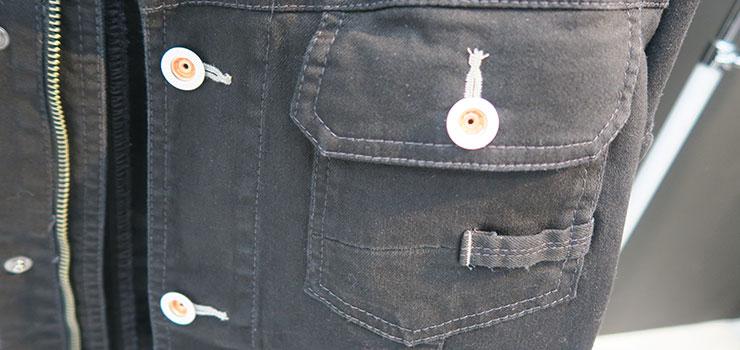現場服の大容量胸ポケット