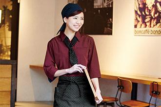 カジュアルな雰囲気のカフェにぴったりのカフェ制服