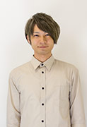 スタッフ坪田