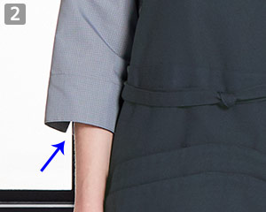 七分袖コックシャツのポイント�スリット入りの七分袖