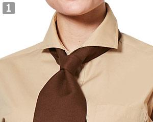 七分袖ワイドカラーシャツのポイント�ワイドカラーとボタン