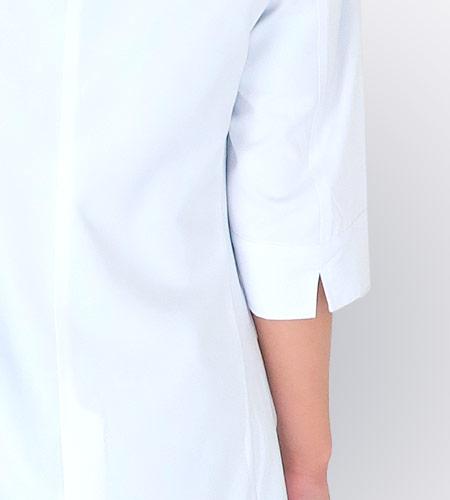 七分袖と袖口スリット入りのイメージ画像