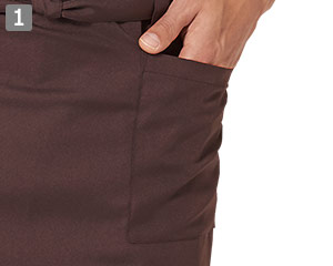 収納に便利な両脇ポケット