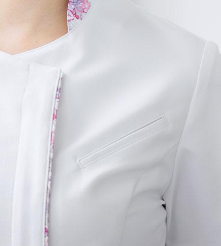 斜めの胸ポケットのイメージ画像