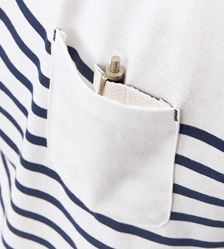 ペン差しループ付き左胸ポケットのイメージ図