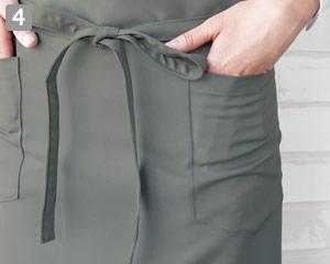 胸当てロングエプロンのポイント�両脇ポケット