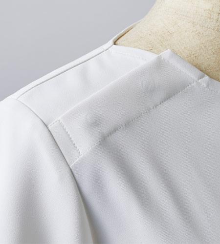 脱着が簡単な肩口のイメージ画像