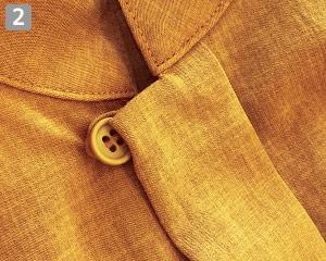 オニベジスタンドカラーシャツのポイント�襟元のボタン