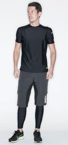 着圧低めでゆったりTシャツ感覚で着られる半袖コンプレッションウェア。TS DESGIN 841552