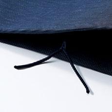 パンツ裾ひも通し穴(ひもは付属しません)