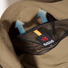 衣服内の空気の循環を促す、背裏エアダクト