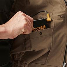 左内側バッテリーポケット(ファスナー止め)