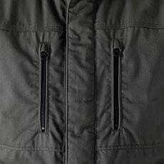両胸ファスナーポケット