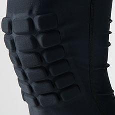 ひざ部分に衝撃を吸収するクッションブロック