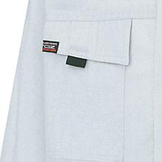 フラップ胸ポケット