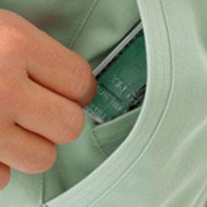 サイドポケットの中には内ポケットがあり、小物を入れるのに便利
